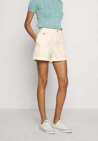 Polo Ralph Lauren - SLIM SHORT - Short - warm white - 0