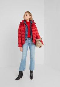 Polo Ralph Lauren - MOMENTUM - Bunda zprachového peří - madison red - 1