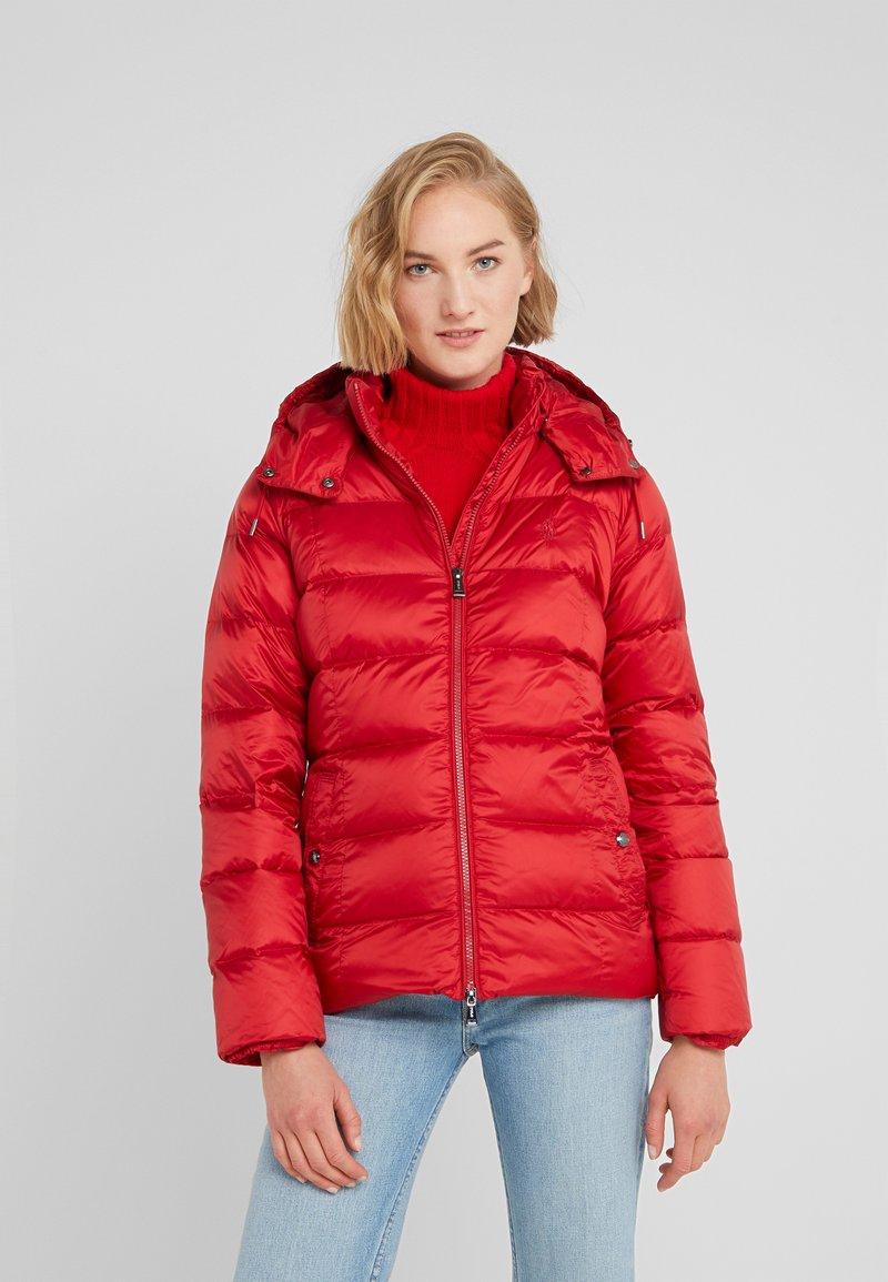 Polo Ralph Lauren - MOMENTUM - Bunda zprachového peří - madison red