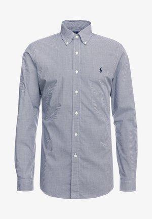 NATURAL SLIM FIT - Skjorte - black/white