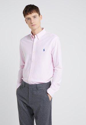 OXFORD  - Camicia - carmel pink/white
