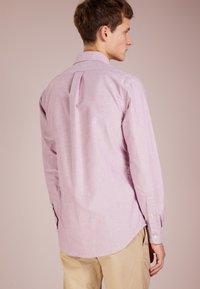 Polo Ralph Lauren - OXFORD SLIM FIT - Skjorta - crimson/white - 2