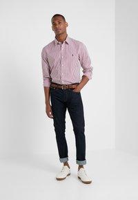 Polo Ralph Lauren - NATURAL PHILLIP - Camicia elegante - red/white - 1