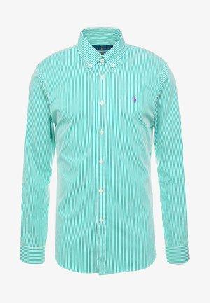 NATURAL SLIM FIT - Košile - stem green