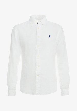 SLIM FIT - Vapaa-ajan kauluspaita - pure white