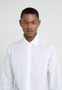 Polo Ralph Lauren - EASYCARE ICONS - Formální košile - white - 4