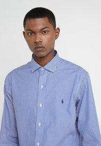 Polo Ralph Lauren - EASYCARE ICONS - Koszula biznesowa - true blue/white - 4