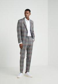 Polo Ralph Lauren - EASYCARE STRETCH ICONS - Formální košile - white - 1