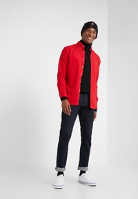 Polo Ralph Lauren - OXFORD SLIM FIT - Vapaa-ajan kauluspaita - red - 1
