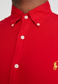 Polo Ralph Lauren - OXFORD SLIM FIT - Vapaa-ajan kauluspaita - red - 6