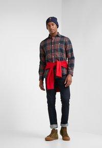 Polo Ralph Lauren - SLIM FIT - Vapaa-ajan kauluspaita - red/dark blu - 1