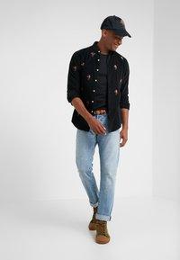 Polo Ralph Lauren - WALE SLIM FIT - Camisa - black - 1