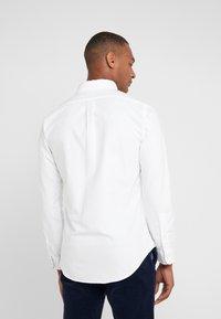 Polo Ralph Lauren - OXFORD SLIM FIT - Vapaa-ajan kauluspaita - white - 2