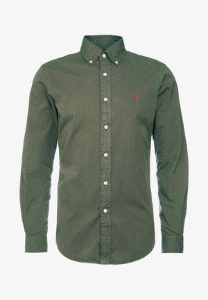 SLIM FIT - Skjorta - defender green