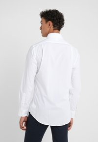 Polo Ralph Lauren - NATURAL SLIM FIT - Chemise - white - 2