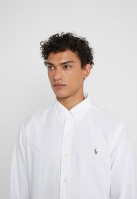 Polo Ralph Lauren - CUSTOM FIT  - Koszula - white - 5