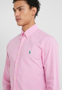 Polo Ralph Lauren - NATURAL SLIM FIT - Camicia - pink/white - 4