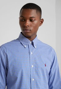 Polo Ralph Lauren - NATURAL SLIM FIT - Camicia - royal/white - 3