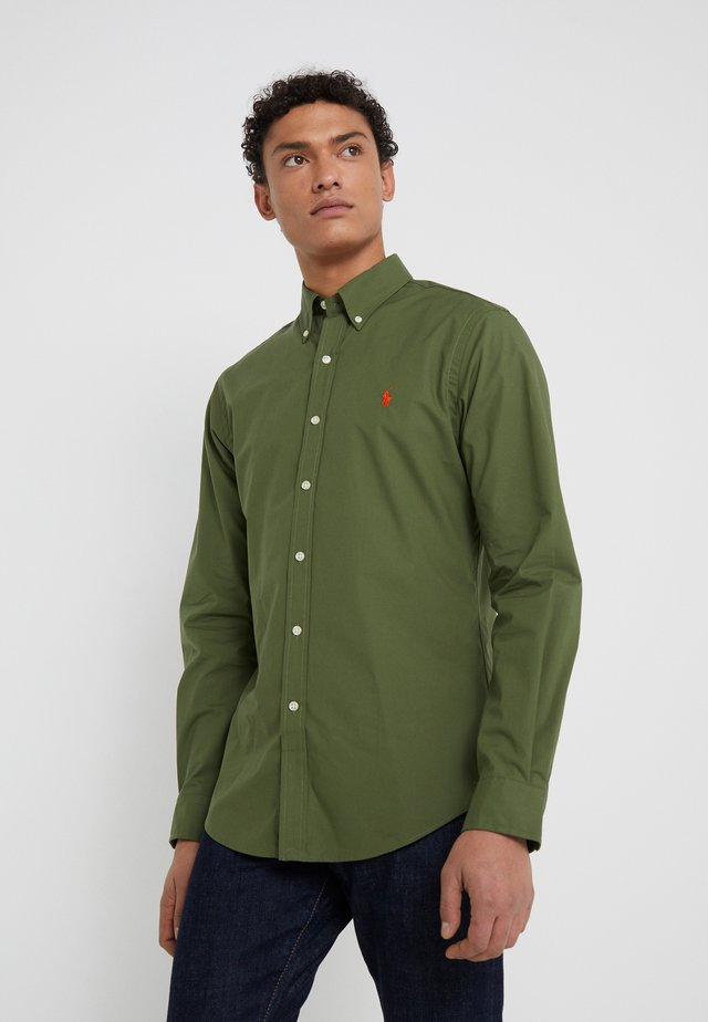 NATURAL SLIM FIT - Skjorta - supply olive