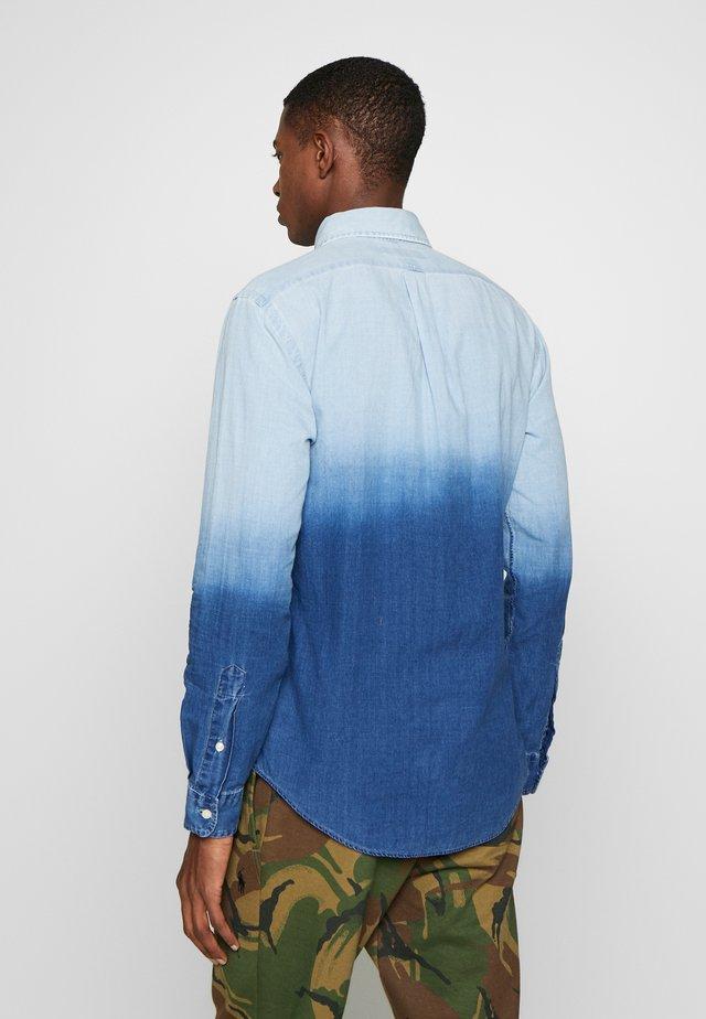INDIGO SOLID - Camicia - blue dip dye