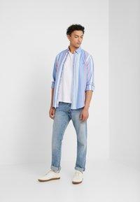 Polo Ralph Lauren - OXFORD SLIM FIT - Košile - blue/red - 1