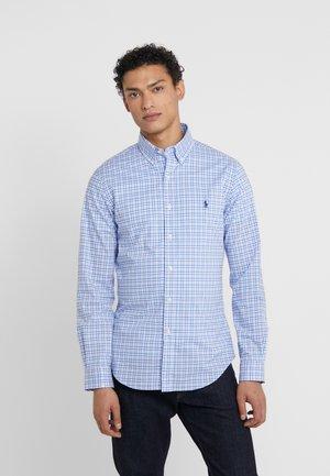 NATURAL - Shirt - blue/white