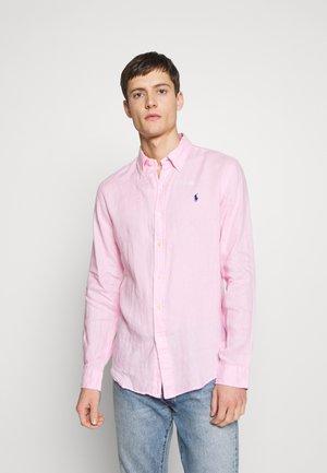 PIECE DYE - Shirt - carmel pink