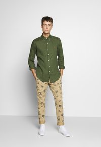 Polo Ralph Lauren - PIECE DYE - Camicia - supply olive - 1