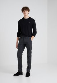 Polo Ralph Lauren - FLAT PANT - Kangashousut - black mask - 1