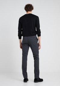 Polo Ralph Lauren - FLAT PANT - Kangashousut - black mask - 2