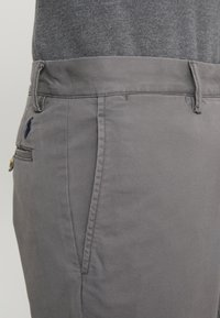 Polo Ralph Lauren - BEDFORD PANT - Spodnie materiałowe - norfolk grey - 5