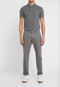 Polo Ralph Lauren - BEDFORD PANT - Spodnie materiałowe - norfolk grey - 0