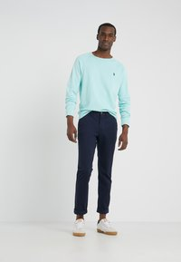 Polo Ralph Lauren - BEDFORD PANT - Tygbyxor - nautical ink - 1