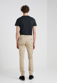 Polo Ralph Lauren - TAILORED PANT - Bukse - classic khaki - 2