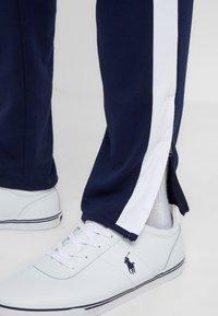Polo Ralph Lauren - Spodnie treningowe - french navy - 4