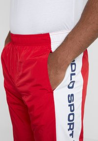 Polo Ralph Lauren - PULL UP PANT - Pantaloni sportivi - red/pure white - 3