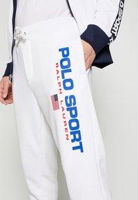 Polo Ralph Lauren - Teplákové kalhoty - white - 4