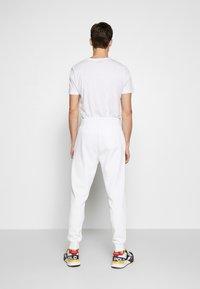Polo Ralph Lauren - Teplákové kalhoty - white - 2