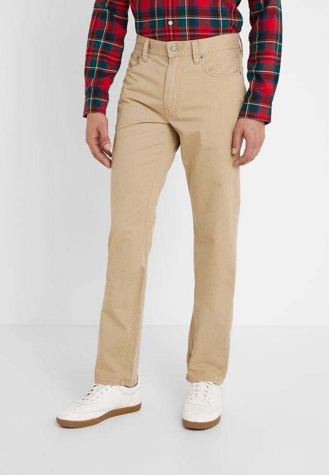VARICK - Pantaloni - luxury tan