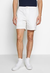 Polo Ralph Lauren - CLASSIC FIT PREPSTER - Shorts - white - 0