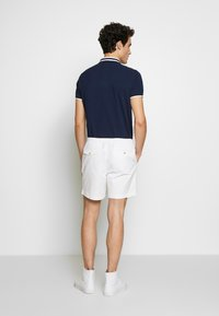 Polo Ralph Lauren - CLASSIC FIT PREPSTER - Shorts - white - 2