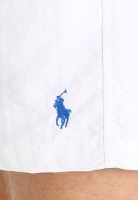 Polo Ralph Lauren - TRAVELER - Plavky - white - 2
