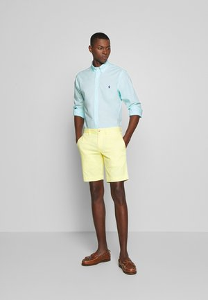 BEDFORD - Shorts - bristol yellow