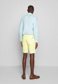 Polo Ralph Lauren - BEDFORD - Shorts - bristol yellow - 2