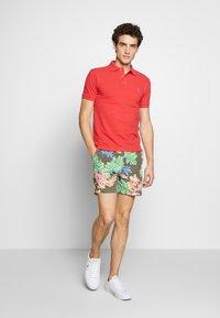 Polo Ralph Lauren - CLASSIC FIT PREPSTER SHORT - Shorts - surplus tropical - 1