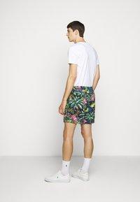 Polo Ralph Lauren - CLASSIC FIT PREPSTER - Kraťasy - flamingo  print - 4