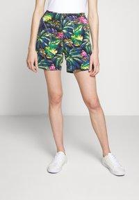 Polo Ralph Lauren - CLASSIC FIT PREPSTER - Kraťasy - flamingo  print - 3