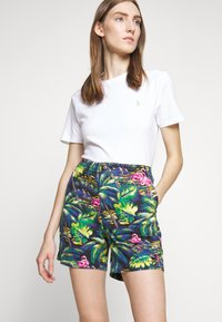 Polo Ralph Lauren - CLASSIC FIT PREPSTER - Shorts - flamingo  print - 6
