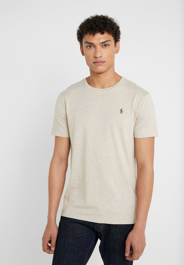 SLIM FIT - T-shirt - bas - expedition dune