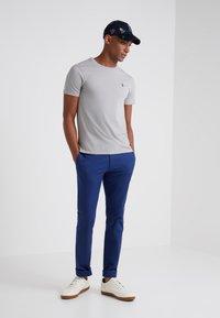 Polo Ralph Lauren - SLIM FIT - T-shirt basique - soft grey - 1